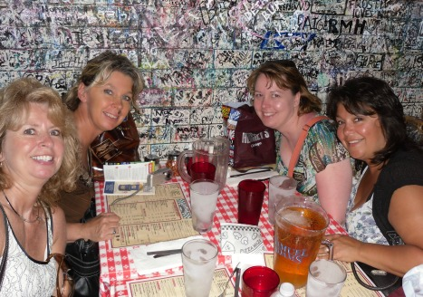 Left clockwise:  Cindy, me, Sara, and Heidi, Gino's Pizza - Chicago