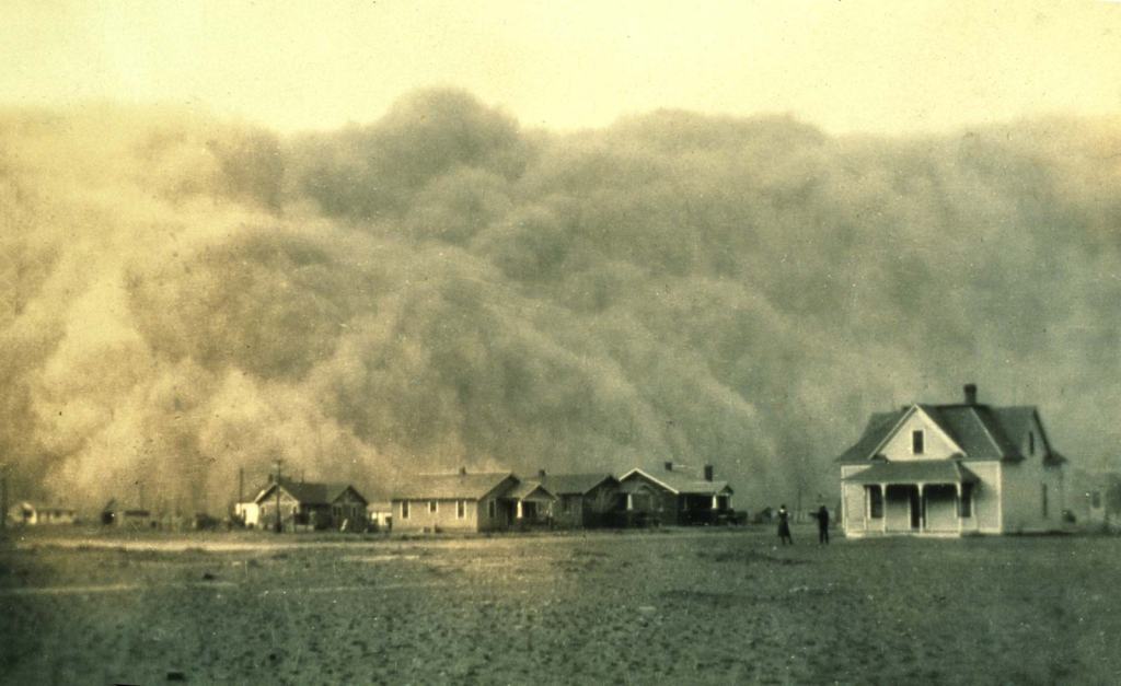 This image has an empty alt attribute; its file name is dust-storm-stratford-texas-april-1935.jpg